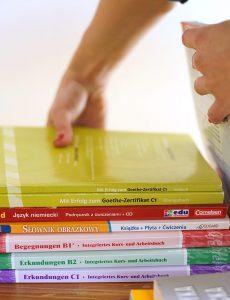 Lehrwerk und Lehrerhandbücher